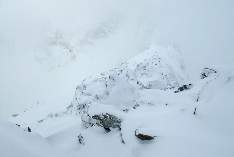 Wejście na Koprowski Szczyt zimą