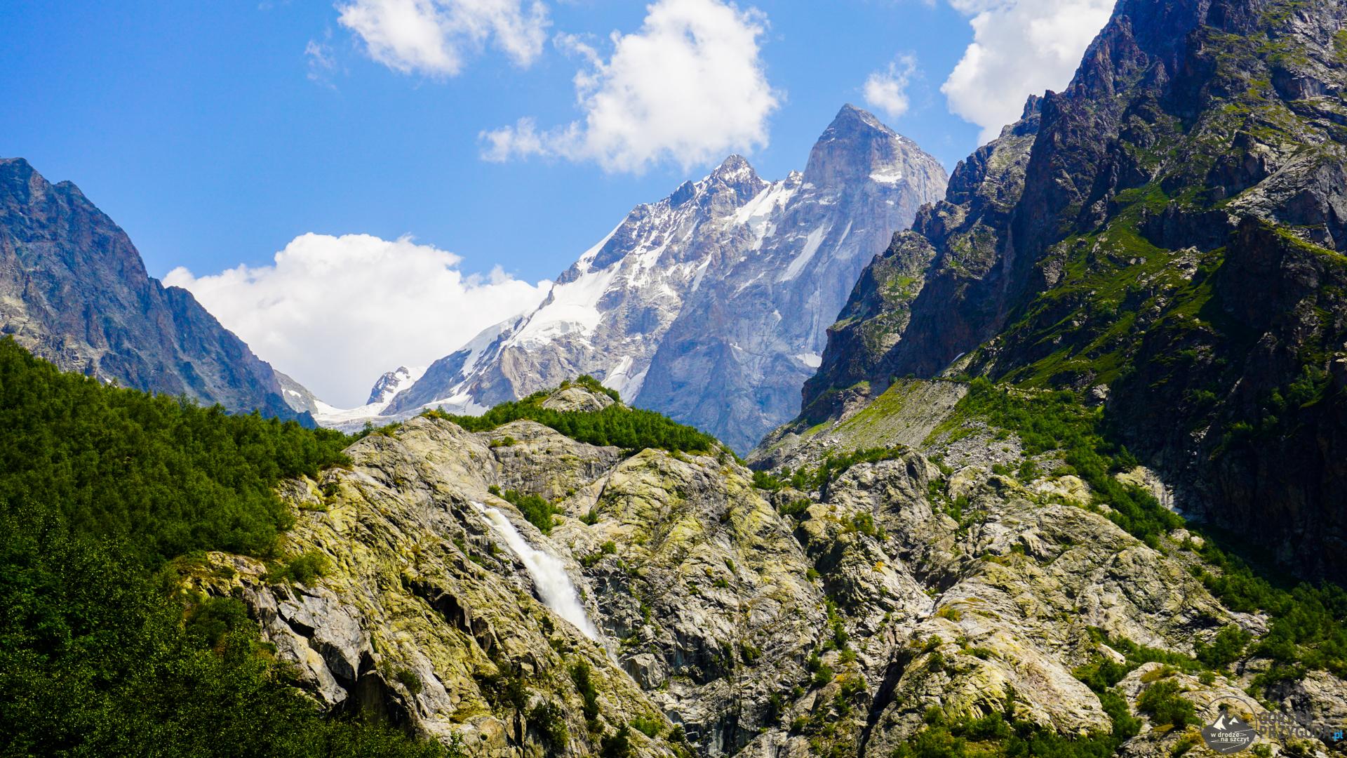 trekking pod lodowiec Uszby